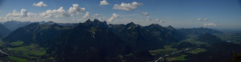 Blick nach Süden auf die Tannheimer Berge