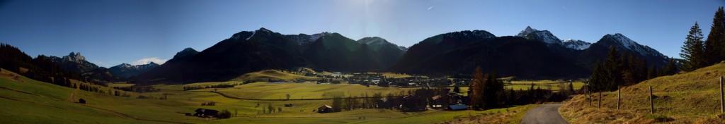 Panorama von Rote Flüh über Gaichtspitze, Neunerköpfle, Gaishorn bis Rohnenspitze