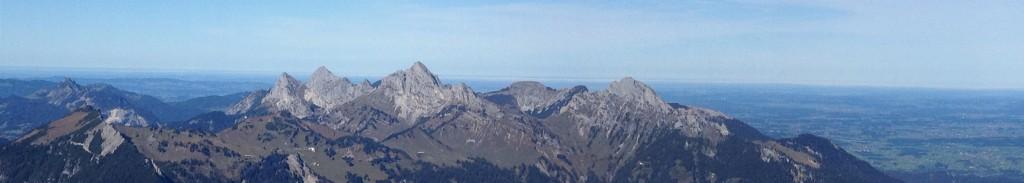 Tannheimer Berge mit Rote Flüh bis Gehrenspitze